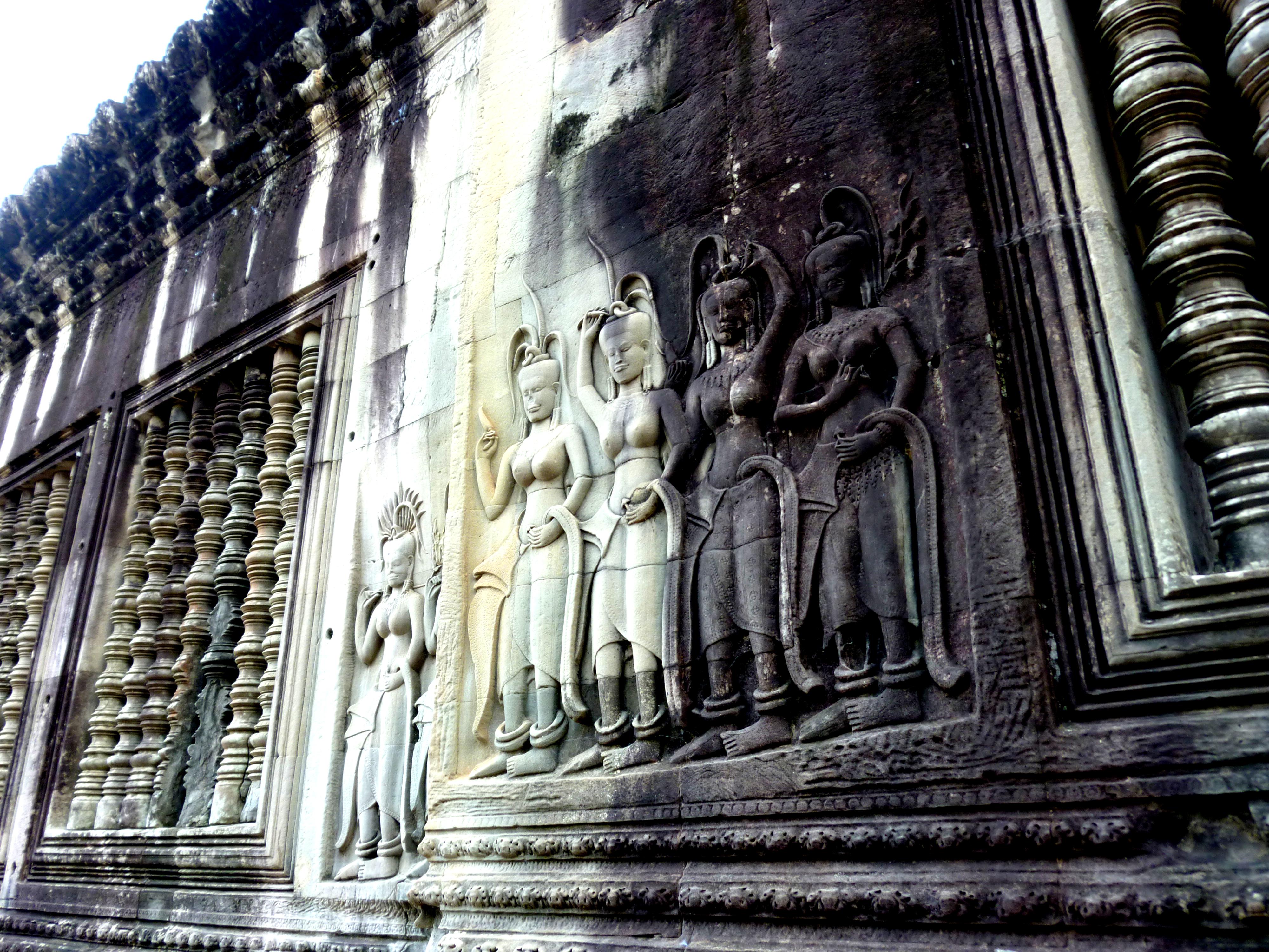 Angkor Wat temple Apsara figures